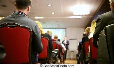 différent, business, regarder, séance gens, conference., présentation, salle