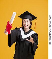 diplôme, robes, heureux, remise de diplomes, jeune, projection, femme