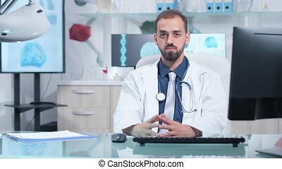 docteur, appareil photo, regarder, portrait, sérieux