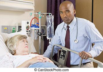 docteur, haut, sérieux, patient, vérification, regarder