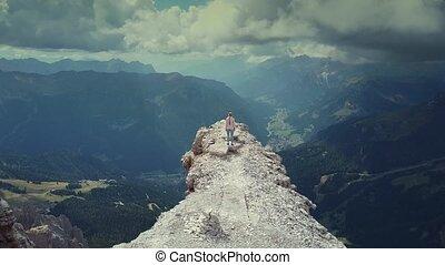 dolomites, sommet, femme, sur, atteindre, italien, voler, piz, boe, montagne