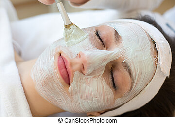 donner, masque, skincare, client, facial, cosmetician