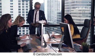 donner, membres équipe, personne agee, parole, conseil, éditorial