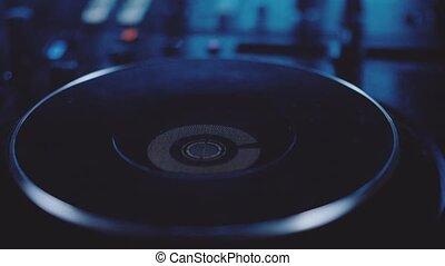 donnez mélangeur, homme, dj, closeup, son, pistes, boîte nuit, musique, mélange