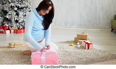 dons, arbre, noël, maman, pregnant