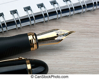 doré, table, stylo, bois, bloc-notes, fontaine