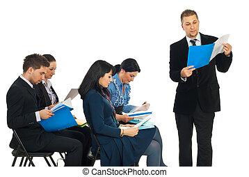 dossier, lecture, séminaire, homme affaires