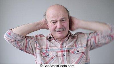 douleur, homme aîné, cou, pain., hispanique, tête