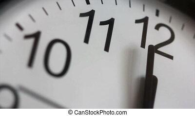 douze, o`clock.