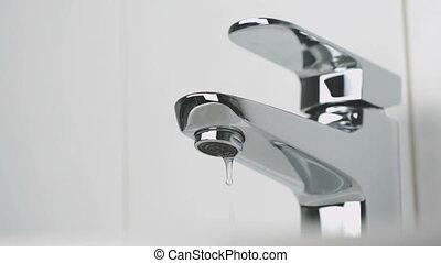 eau, bathroom., robinet, chrome-plaqué, égouttement