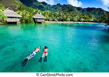 eau, couple, snorkeling, sur, jeune, propre, corail