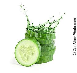 eau, frais, concombre, splash., tranches