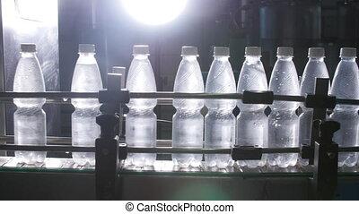 eau, mis bouteille, usine, convoyeur