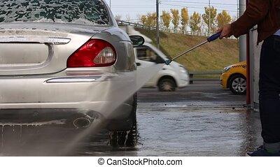eau, sien, lavage, pression, voiture, élevé, laver, pulvérisation, self-service., washer., homme