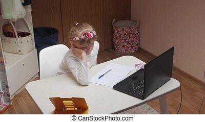 education, ennuyeux, girl