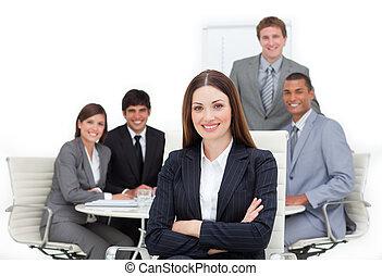 elle, équipe, cadre femelle, charismatic, devant, séance