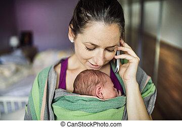 emballer, porte-bébé, mère
