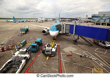 embarquement, passagers, service, tube., avion ligne, irréel, garé, technicien, aéroport.