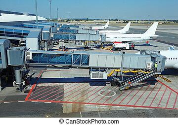 embarquement, passengers., service, peu, garé, avions ligne, technicien, aéroport.