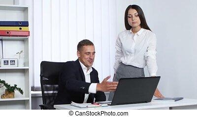 employé, métier, explique, patron