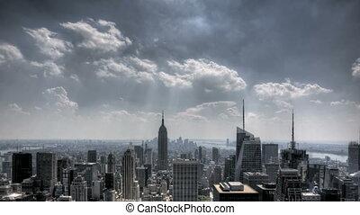 en ville, nyc, nuages, sunrays
