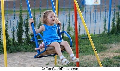 enfant, balance, cour de récréation, girl, triste