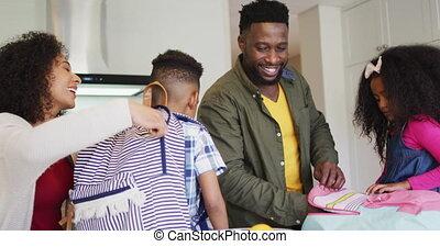 enfants, américain, heureux, préparer, africaine, parent, école