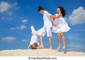 enfants jouer, plage