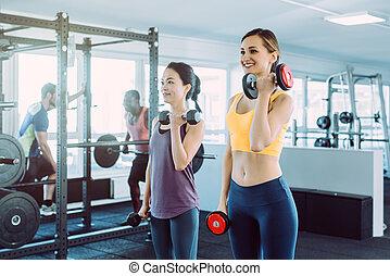 ensemble, fitness, gymnase, femmes, deux, formation