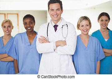 entourer, docteur, infirmières