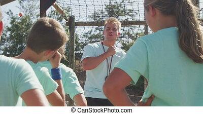 entraîneur, camp, gosses, botte, caucasien, instruire