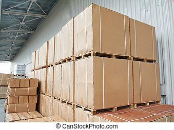 entrepôt, boîtes, carton, arrangement, dehors