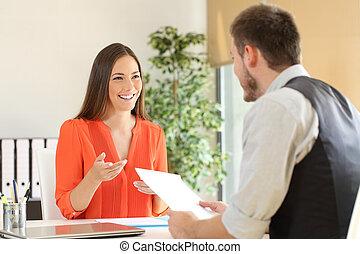 entretien travail, conversation, femme