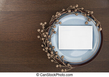 enveloppe blanche, soucoupe