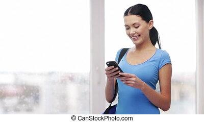 envoi, femme, texte, téléphone portable, message