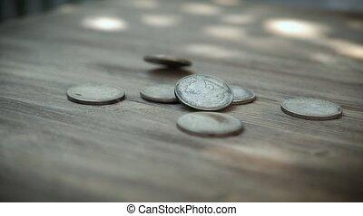 eventually, ils, tomber, ralenti, sur, pièces, américain, régler, tourner, terre, bois, argent