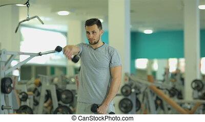 exercice, 2, jeune homme, dumbbells