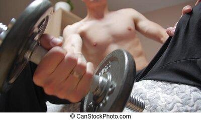 exercisme, biceps, homme