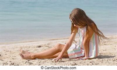 exotique, château, plage blanche, confection, peu, sable, girl