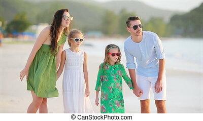 exotique, quatre, plage, famille