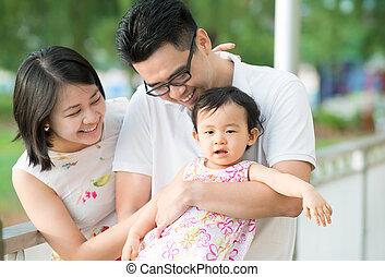 extérieur, parc, famille asiatique