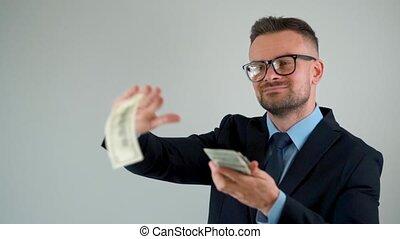 factures, lui, argent, habillé, formellement, confection, pluie, autour de, scatters, dollar, homme
