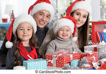 famille, chapeaux, préparer, santa, portrait, noël