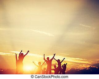 famille, ensemble, sauter, amis, sunset., heureux