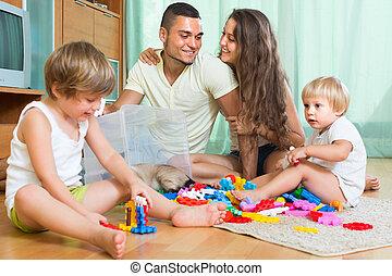 famille heureuse, jouer, intérieur, maison