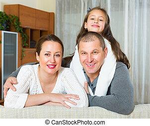 famille, heureux, intérieur domestique