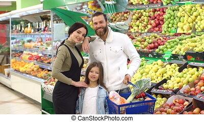 famille, légumes, supermarché, fruit, portrait., enfant, achat