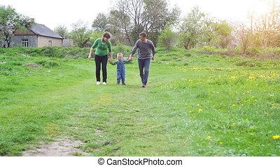 famille, nature, dépenser, jeune, ensemble, dehors, vert, temps, heureux
