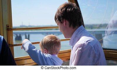 famille, panoramique, wheel., promenade, ferris, heureux, vue