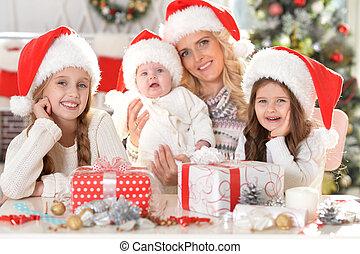 famille, santa, chapeaux